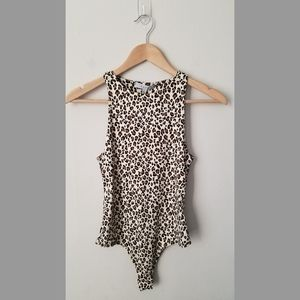 Gaze Sleeveless Leopard Print Bodysuit